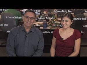 Neto Portillo habla con la reportera Perla Trevizo