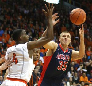 Arizona Wildcats edge UTEP 60-55
