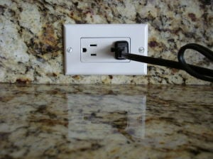 'Dead' outlet? It's time to call a pro