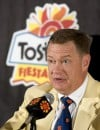 Former Fiesta Bowl leader to plead guilty