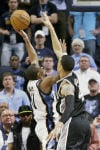 NBA Conley's buzzer-beater gives Grizzlies 50th win