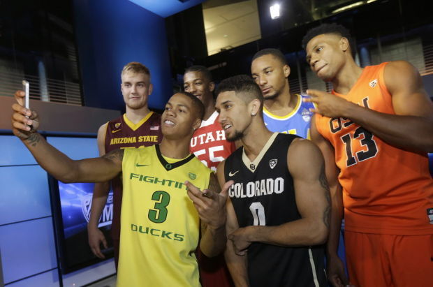 Pac-12 guards Williams-Goss, Young go head-to-head