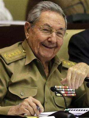 Castro demanda a EEUU fin al bloqueo y entrega de Guantánamo