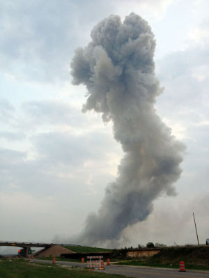 Astounding wreckage confronts rescuers after blast in West, Texas