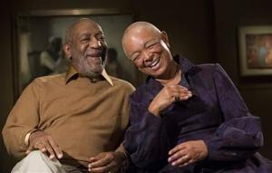 Esposa de Cosby lo defiende en un comunicado
