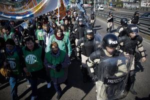 Argentina: huelga de 36 horas con cortes y marchas