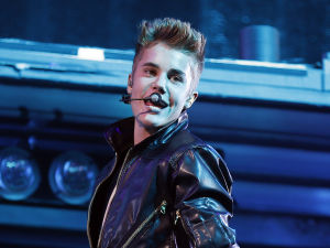 Justin Bieber recovering after fainting