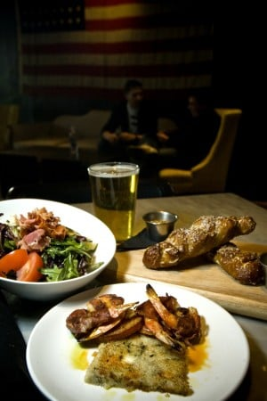 Union Pub: good grub; wings, too