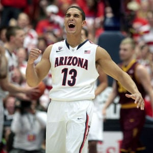 Arizona Wildcats blow out Sun Devils 91-68, move to 18-0