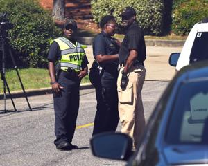 Tres muertos en sucursal de UPS en Birmingham