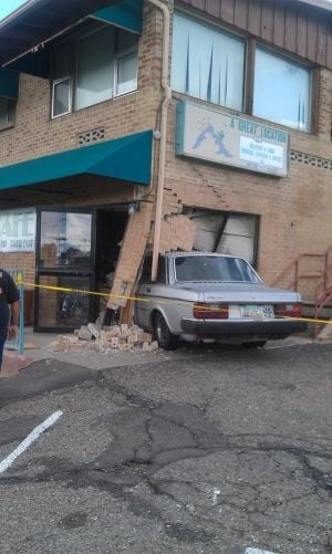 Car crashes into eastside café
