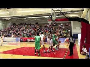 UA's Stanley Johnson dunks way to 18 points vs. Mexico