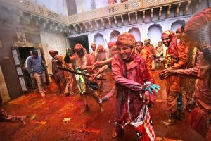 Photo of the day: India Lathmar Holy Festival