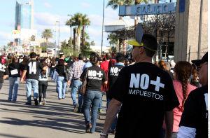 'Burros' marchan por tenencia en Sonora
