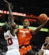 Top 25 college: Orange grinds out win at Louisville