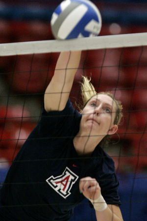 UA volleyball: Kingdon makes McKale her kingdom