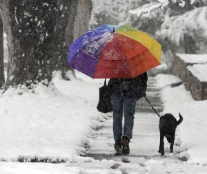 May Day snowstorm hits Colorado, Wyoming, Midwest