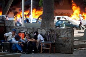 Mueren tres personas en protestas en Caracas