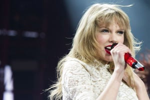 Photos: Taylor Swift will never, ever, ever date again