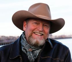 Craig Johnson brings 'Dry Bones' to Tucson
