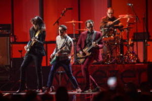 Arizona State Fair: Weezer takes stage tonight