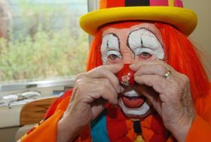 Photos: World's oldest clown has died