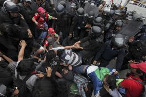Marchas y protestas en México por 43 desaparecidos