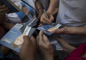 Lucha por el voto de pentecostales en Brasil