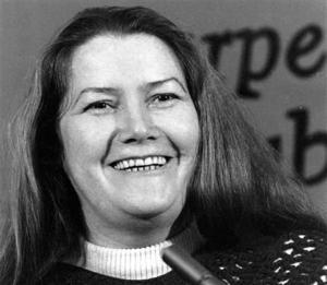 Critican diario australiano por obituario de una escritora
