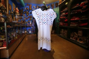 Store specializes in vintage Mexican folk art