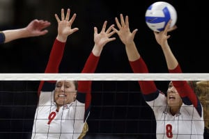 UA volleyball sweeps Cal, ex-Cat Kerr's daughter