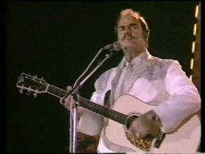 Yodeling country singer Slim Whitman dies