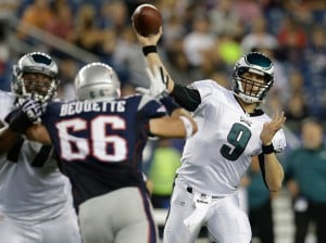 Vick shaken up, Foles leads Eagles over Patriots 27-17