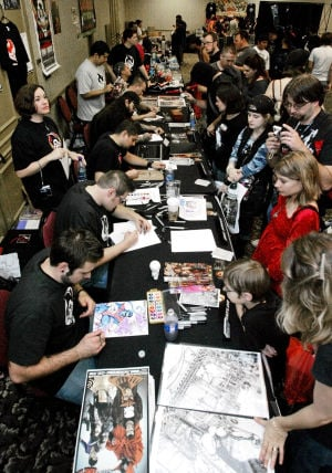 2013 Tucson Comic-con: Artists are celebrities in world of heroes, capes, superpowers
