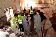 Bomba mata a 49 en mezquita en Pakistán