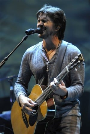 Tickets on sale Saturday for Juanes, Larry the Cable Guy