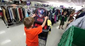 Retailers scale back sales expectations for this year