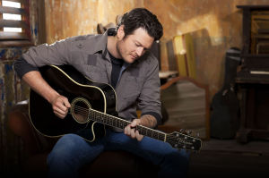 Blake Shelton to headline 2015 Country Thunder
