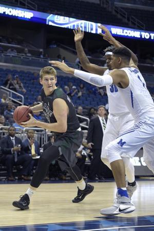 Arizona basketball: Tulane transfer picks Texas