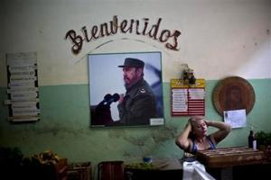 Fidel Castro desconfía de EEUU pero apoya negociación