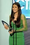 People's Choice Awards: Nina Dobrev