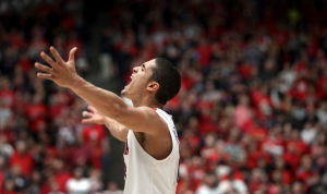 Arizona basketball: Bejarano finds way to contribute