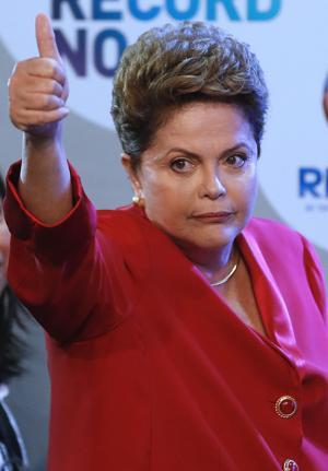 Brasil: Rousseff es blanco de ataques en debate