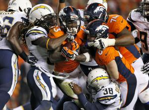 Manning y Sanders guían a Broncos sobre Chargers