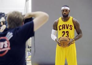 El Rey LeBron manda en la NBA