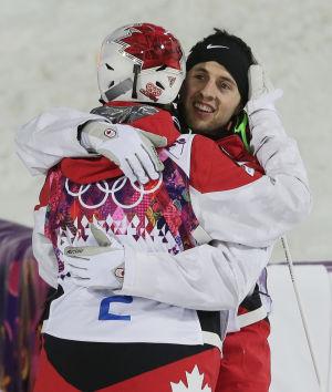 Otro 1-2 en baches y Canadá domina el medallero