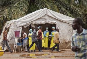 Surgen cuestiones éticas en tratamiento del ébola
