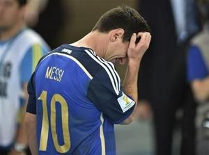 Messi se tambalea pero no cae