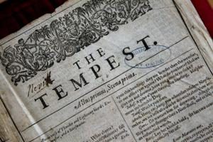Descubren raro folio de Shakespeare en Francia