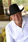 Oro Valley author recalls life with, love of horses in memoir